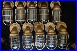 2 authentiques lampes de coursive en laiton marine marchande année 1950