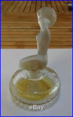 Ancien Flacon De Parfum Art Déco Décor Femme Nue Au Collier Style Lalique