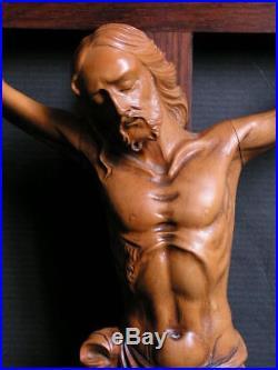 Ancien christ en buis sculpté signature art deco a identifier crucifix croix