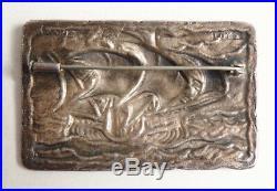 Broche métal argenté + laque signée LOYS LUCHA vers 1930 Art deco bateau
