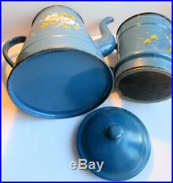 Cafetière double, Art Déco, tôle émaillée bleue Roses anciennes en relief