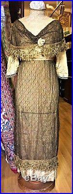 Costume De Dame. Principes Art Déco. Glacé De Soie, Thulle. France Circa 1918