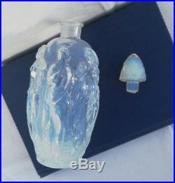 Flacon à parfum art déco en verre opalescent Sabino GAITE c. 1930