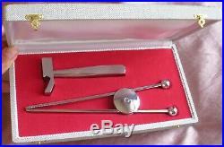 JACQUES ADNET 1901 1984 Décapsuleur & Pince à sucre moderniste en métal chromé