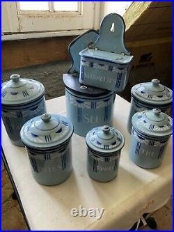 LOT 7 pots boites à épices anciens avec boite à sel en tôle émaillée Art Deco