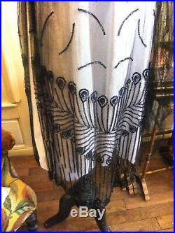 Rare robe de bal d'époque art-déco 1925 Charleston décor paon en perles de jais