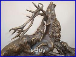 Statue Cerf Chien Chasse Animalier Style Art Deco Bronze massif Signe