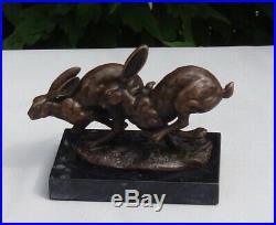 Statue Lapin Lievre Animalier Chasse Style Art Deco Bronze massif Signe