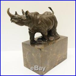 Statue Sculpture Rhinoceros Animalier Style Art Deco Bronze massif Signe