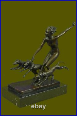 Superbe Art Déco Nouveau Signé Bronze Chair Femelle Statue Diana The Huntress
